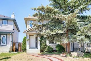 Photo 1: 35 Covington Close NE in Calgary: Coventry Hills Detached for sale : MLS®# A1124592