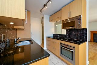 """Photo 7: 305 2424 CYPRESS Street in Vancouver: Kitsilano Condo for sale in """"CYPRESS PLACE"""" (Vancouver West)  : MLS®# R2572541"""