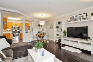 """Photo 5: 105 5450 208 Street in Langley: Langley City Condo for sale in """"MONTGOMERY GATE"""" : MLS®# R2509273"""