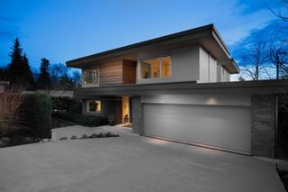 Photo 1: 903 LEOVISTA Avenue in North Vancouver: Edgemont House for sale : MLS®# R2355566
