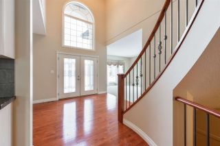 Photo 3: 1197 HOLLANDS Way in Edmonton: Zone 14 House for sale : MLS®# E4221432