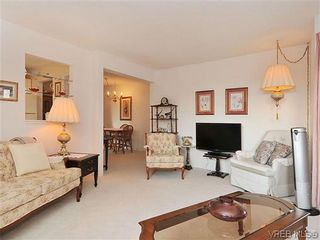 Photo 4: 414 1560 Hillside Ave in VICTORIA: Vi Oaklands Condo for sale (Victoria)  : MLS®# 620343