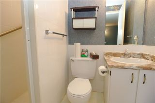 Photo 2: 70 Ashglen Way in Markham: Unionville Condo for sale : MLS®# N3426544