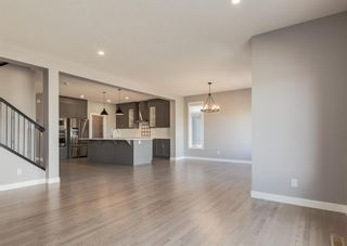 Photo 8: 203 Crestridge Hill SW in Calgary: Crestmont Detached for sale : MLS®# A1105863
