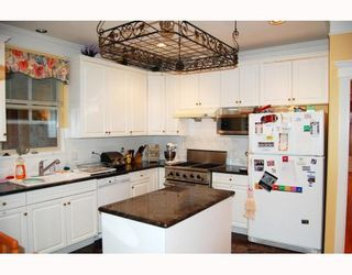 """Photo 4: 623 W 20TH Avenue in Vancouver: Cambie House for sale in """"DOUGLAS PARK"""" (Vancouver West)  : MLS®# V799341"""