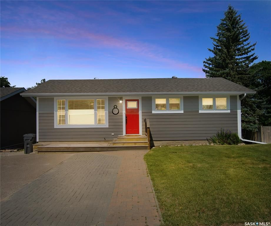 Main Photo: 8 Burke Crescent in Swift Current: South West SC Residential for sale : MLS®# SK864124