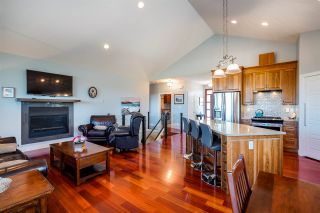 """Photo 3: 2500 CHANCELLOR Boulevard in Prince George: Charella/Starlane House for sale in """"University Heights/Charella"""" (PG City South (Zone 74))  : MLS®# R2375174"""