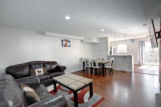 Photo 4: 204 Country Village Lane NE in Calgary: Country Hills Village Row/Townhouse for sale : MLS®# A1147221