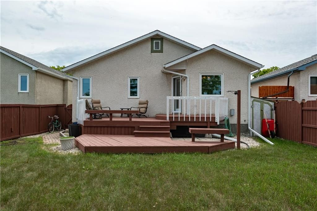 Photo 30: Photos: 1115 Waterford Avenue in Winnipeg: West Fort Garry Residential for sale (1Jw)  : MLS®# 202116113