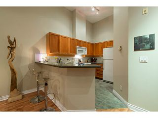 """Photo 10: 404 131 W 3RD Street in North Vancouver: Lower Lonsdale Condo for sale in """"Seascape Landing"""" : MLS®# V1036613"""