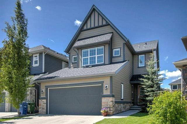Main Photo: 54 VALLEY POINTE Bay NW in Calgary: Valley Ridge Detached for sale : MLS®# C4301556