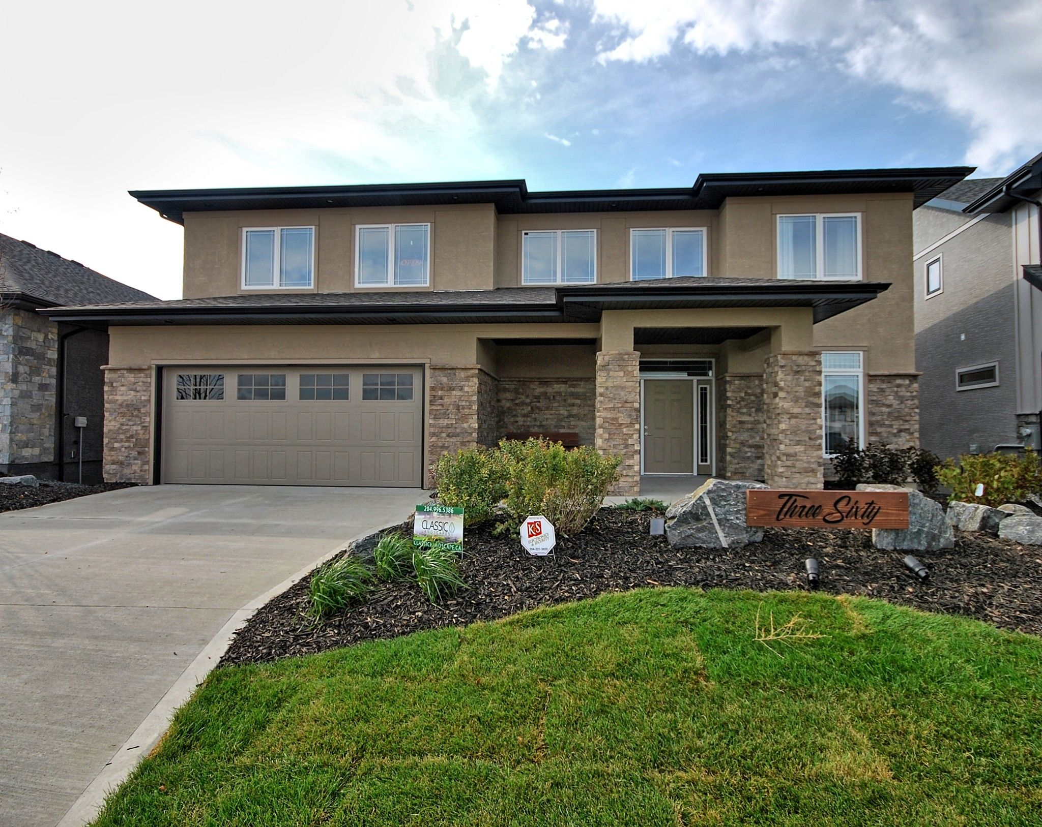 Main Photo: 360 Willow Creek Road in Winnipeg: Bridgwater Trails Single Family Detached for sale (1R)