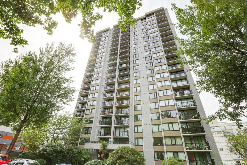 FEATURED LISTING: 403 - 1330 HARWOOD Street Vancouver