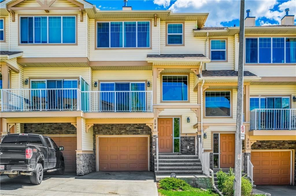 Main Photo: 298 SUNSET Point: Cochrane Row/Townhouse for sale : MLS®# A1033505