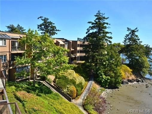 Main Photo: 312 485 Island Hwy in VICTORIA: VR Six Mile Condo for sale (View Royal)  : MLS®# 740559