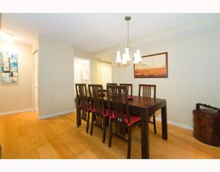 Photo 2: 508 888 HAMILTON in Rosedale Gardens: Home for sale