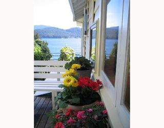 """Photo 1: 901 MARINE Drive in Gibsons: Gibsons & Area House for sale in """"GRANTHAMS LANDING"""" (Sunshine Coast)  : MLS®# V671595"""