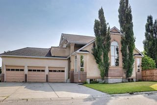 Photo 1: 31 Mt Norquay Gate SE in Calgary: McKenzie Lake Detached for sale : MLS®# A1126206