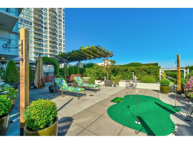 FEATURED LISTING: 406 - 1473 JOHNSTON Road White Rock