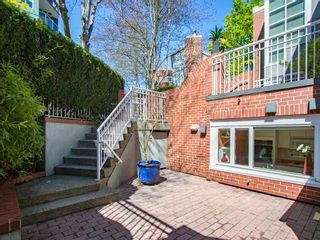 """Photo 25: 1585 MARINER Walk in Vancouver: False Creek Townhouse for sale in """"LAGOONS"""" (Vancouver West)  : MLS®# R2158122"""