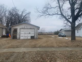 Photo 1: 154 1st Street NW in St Claude: Vacant Land for sale : MLS®# 202029213