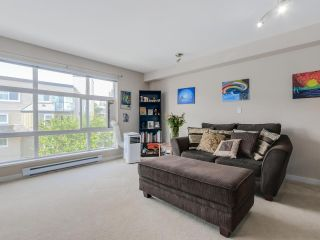 """Photo 1: 307 15168 19TH Avenue in Surrey: Sunnyside Park Surrey Condo for sale in """"The Mint"""" (South Surrey White Rock)  : MLS®# R2070329"""