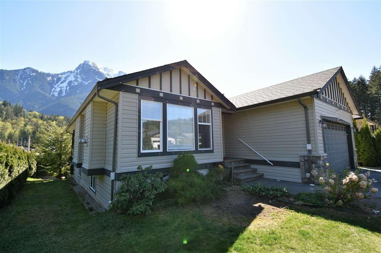 Main Photo: 65898 COTTONWOOD Drive in Hope: Hope Kawkawa Lake House for sale : MLS®# R2569228