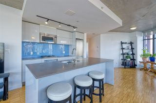 """Photo 6: 2310 128 W CORDOVA Street in Vancouver: Downtown VW Condo for sale in """"WOODWARD W43"""" (Vancouver West)  : MLS®# R2567403"""