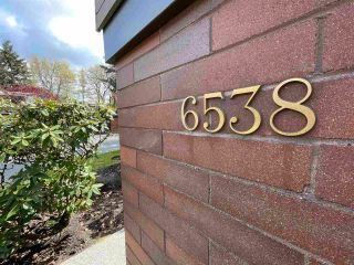 """Photo 3: 6538 PINEHURST Drive in Vancouver: South Cambie Townhouse for sale in """"LANGARA ESTATES"""" (Vancouver West)  : MLS®# R2589176"""