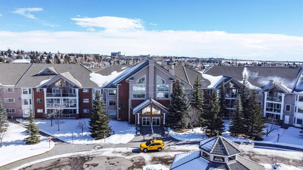 Main Photo: 334 6868 Sierra Morena Boulevard SW in Calgary: Signal Hill Apartment for sale : MLS®# A1072773
