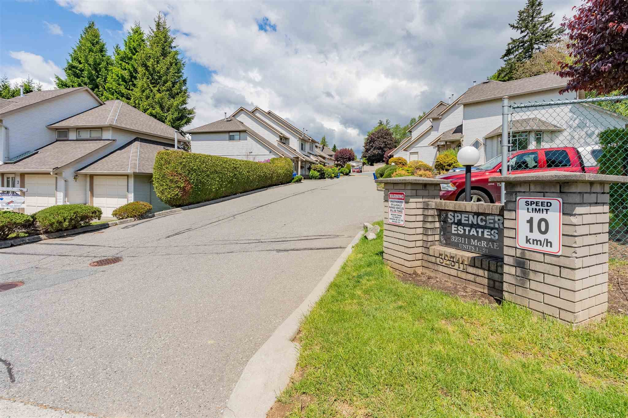 """Main Photo: 6 32311 MCRAE Avenue in Mission: Mission BC Townhouse for sale in """"Spencer Estates"""" : MLS®# R2600582"""