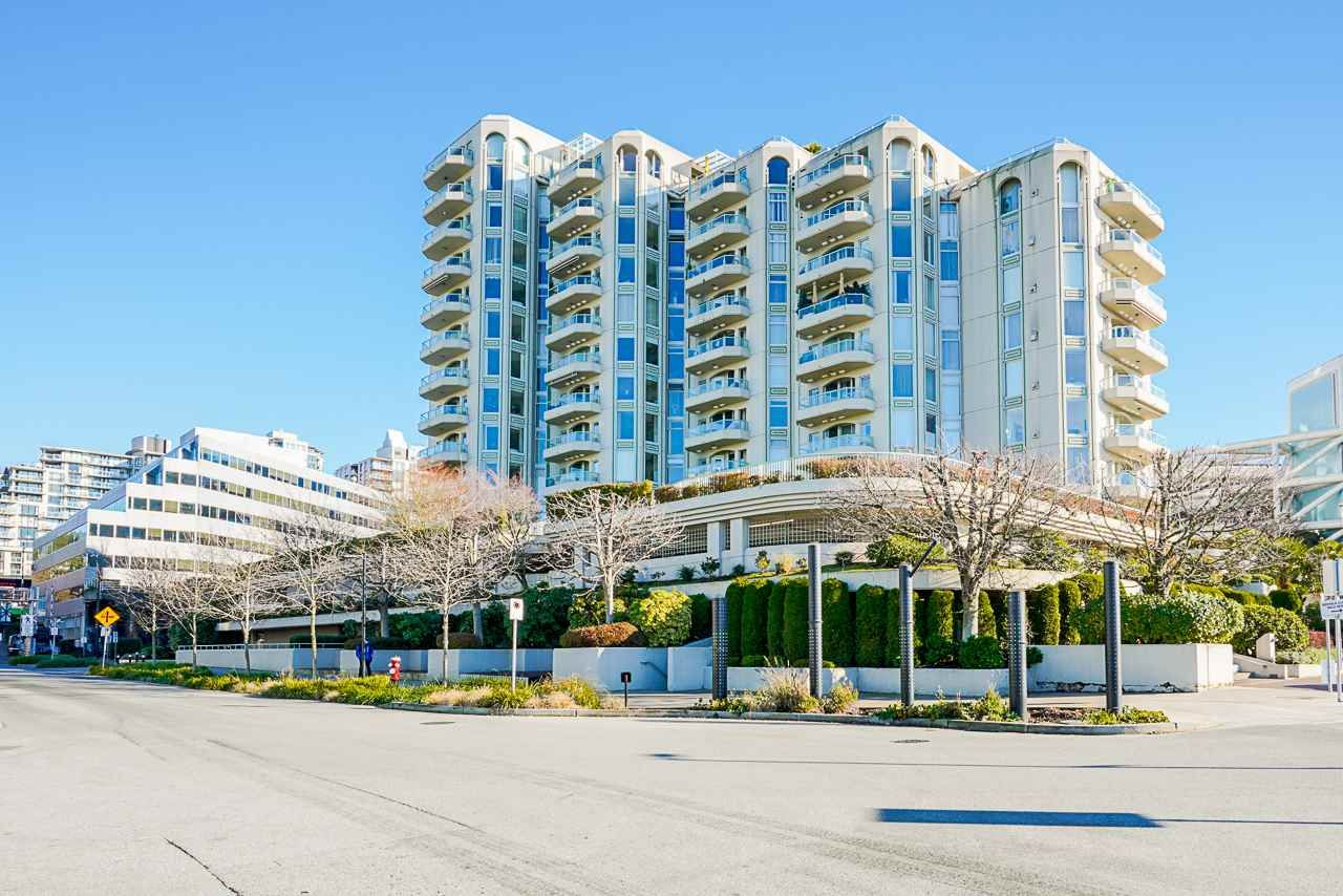 """Main Photo: 206 168 CHADWICK Court in North Vancouver: Lower Lonsdale Condo for sale in """"Chadwick Court"""" : MLS®# R2566142"""