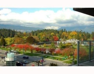 """Photo 3: 809 1889 ALBERNI Street in Vancouver: West End VW Condo for sale in """"LORD STANLEY"""" (Vancouver West)  : MLS®# R2313766"""