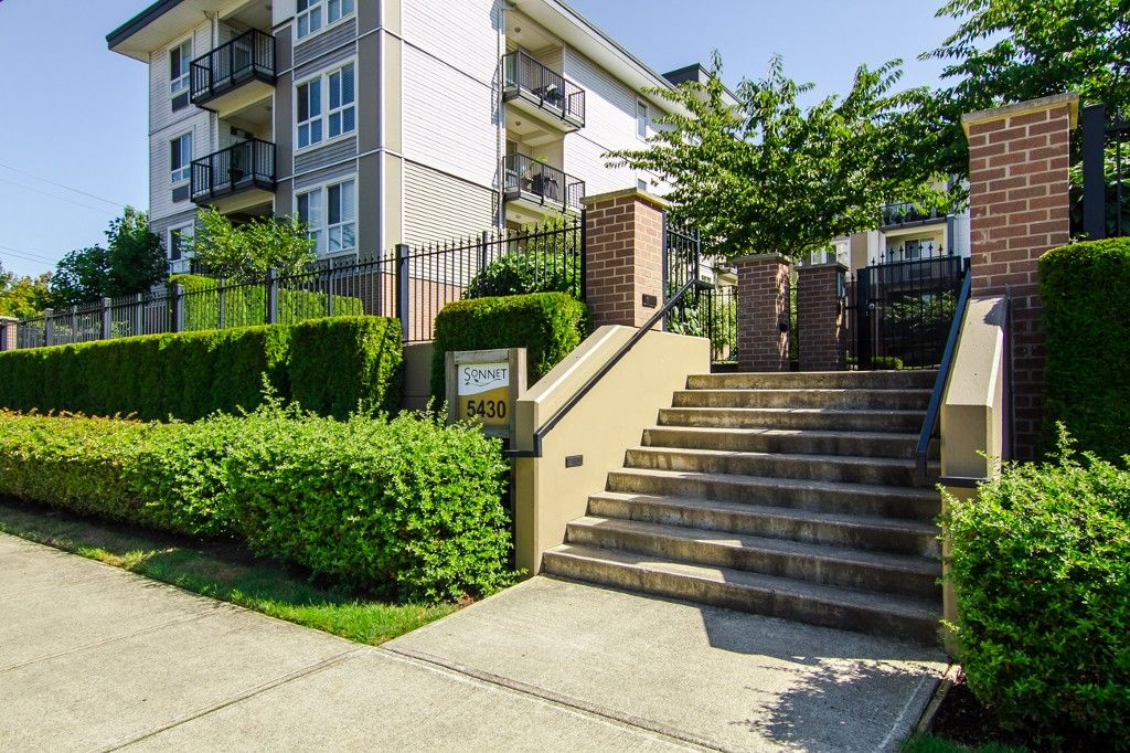 """Photo 30: Photos: 210 5430 201 Street in Langley: Langley City Condo for sale in """"THE SONNET"""" : MLS®# F1418321"""