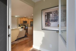 """Photo 5: 111 518 SHAW Road in Gibsons: Gibsons & Area Condo for sale in """"Cedar Gardens"""" (Sunshine Coast)  : MLS®# R2538487"""