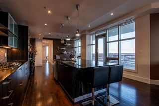 Photo 7: 2102 10388 105 Street in Edmonton: Zone 12 Condo for sale : MLS®# E4223976