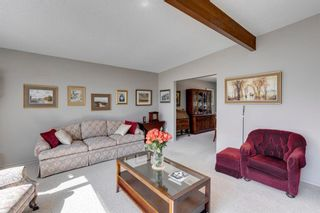 Photo 6: 4 Varslea Place NW in Calgary: Varsity Detached for sale : MLS®# A1145098