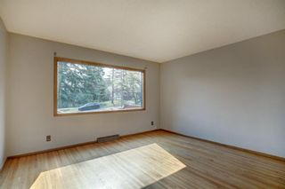 Photo 2: 2723A 16A Street NW in Calgary: Capitol Hill Semi Detached for sale : MLS®# A1132709