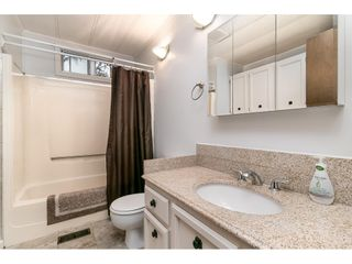 """Photo 15: 293 1840 160 Street in Surrey: King George Corridor Manufactured Home for sale in """"Breakaway Bays"""" (South Surrey White Rock)  : MLS®# R2616077"""