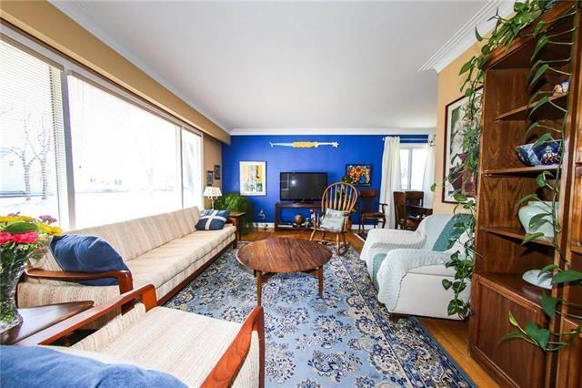 Photo 12: Photos: 37 St Vital Road in Winnipeg: Residential for sale (2C)  : MLS®# 1909617
