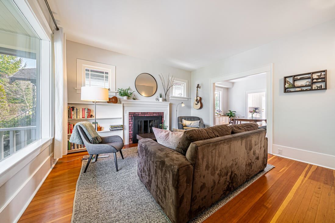 Photo 4: Photos: 2566 DUNDAS Street in Vancouver: Hastings House for sale (Vancouver East)  : MLS®# R2563281