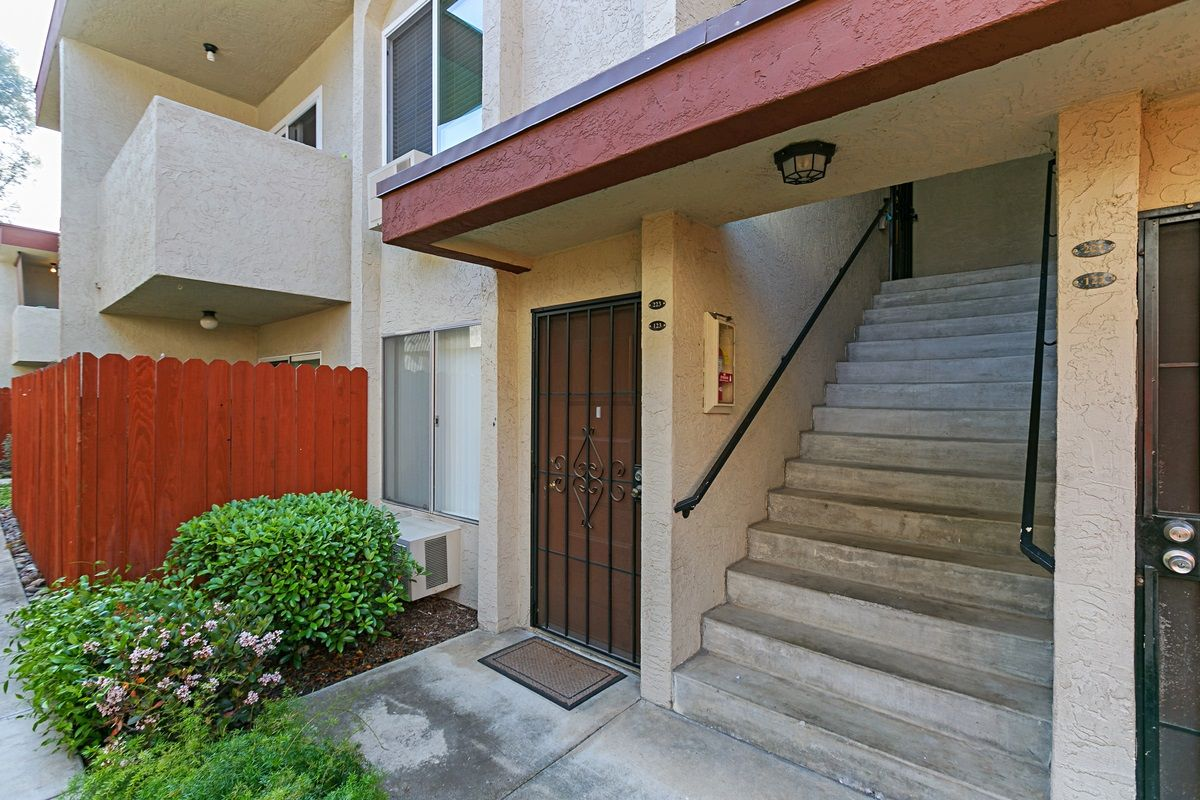 Main Photo: MIRA MESA Condo for sale : 1 bedrooms : 9528 Carroll Canyon Road #223 in San Diego