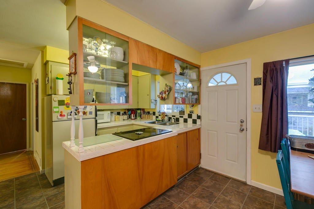 Photo 8: Photos: 12579 97 Avenue in Surrey: Cedar Hills House for sale (North Surrey)  : MLS®# R2225806