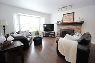 """Photo 2: 9226 210 Street in Langley: Walnut Grove House for sale in """"Country Grove Estates"""" : MLS®# R2385901"""