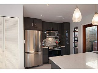 """Photo 10: 3 503 E PENDER Street in Vancouver: Mount Pleasant VE Townhouse for sale in """"Jackson Gardens"""" (Vancouver East)  : MLS®# V1035790"""