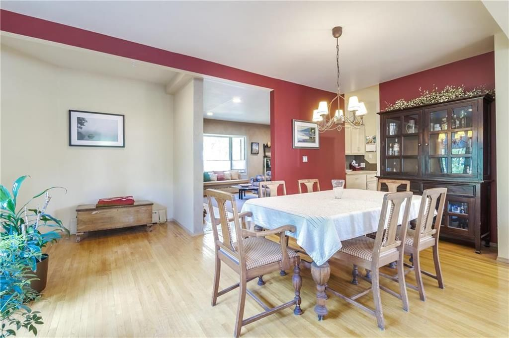 Photo 10: Photos: 906 North Drive in Winnipeg: East Fort Garry Residential for sale (1J)  : MLS®# 202116251