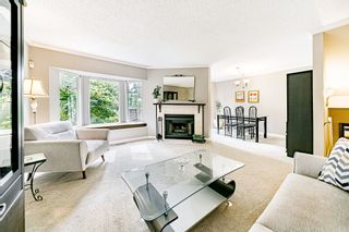 """Photo 4: 8834 LARKFIELD Drive in Burnaby: Forest Hills BN Townhouse for sale in """"Primrose Hill"""" (Burnaby North)  : MLS®# R2498974"""