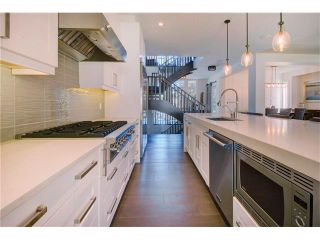 Photo 6: 6427 LAURENTIAN Way SW in Calgary: North Glenmore Park House for sale : MLS®# C4077730