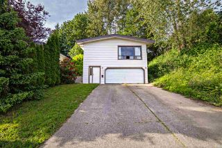 Photo 1: 32343 14TH Avenue in Mission: Mission BC House for sale : MLS®# R2172011