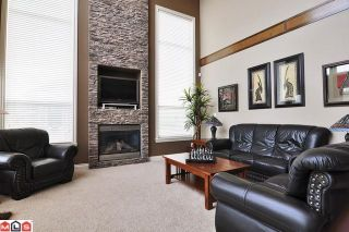 Photo 3: 17131 85A AV in Surrey: House for sale : MLS®# F1027411